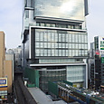 渋谷ヒカリエと01系