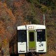 直線区間を力行する快速列車