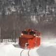 雪晴れの中を行くDE15