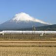 富士のすそ野を横切って