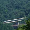 赤岩鉄橋を渡る「つばさ」