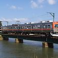 大野川を渡る8000系