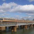 淀川を渡る「雷鳥」