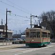 駅前通りを行く市内電車