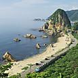 日本海の夏景色とともに