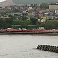 小樽の海岸線を行く711系