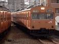 福島ですれ違う環状線103系