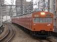 福島駅に進入する外回り電車