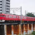 矢田川を渡る準急電車