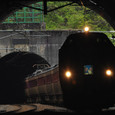 再びトンネルの中へ