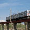 平川鉄橋を渡る7000系