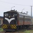 五農校前を発車するストーブ列車