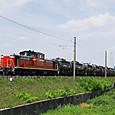 原型DD51とセメント列車